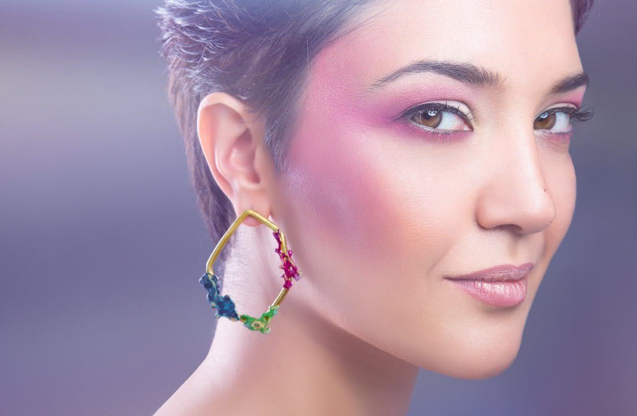 Intervista a maya sabbatini designer di gioielli fatti a for Designer di gioielli