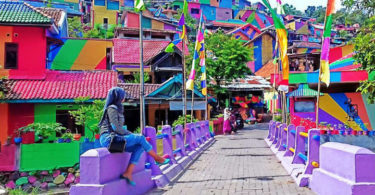 Rainbow-Village-of-South-Semarang-is-the-new-name-of-Kampung-Pelangi-in-Indonesia